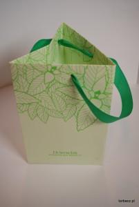 Trójkątna torba papierowa